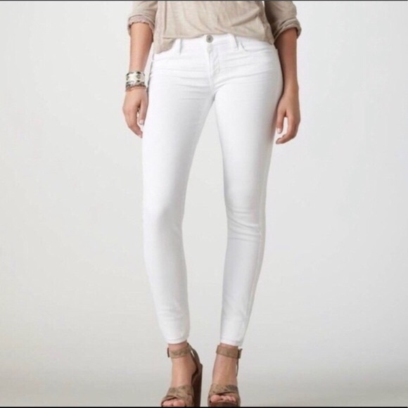 American Eagle Stretch Skinny White Jeans Size 2